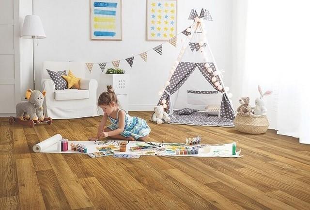 Nên lắp sàn nhựa cho phòng khách hay không ?